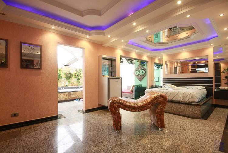 Bahamas Motel