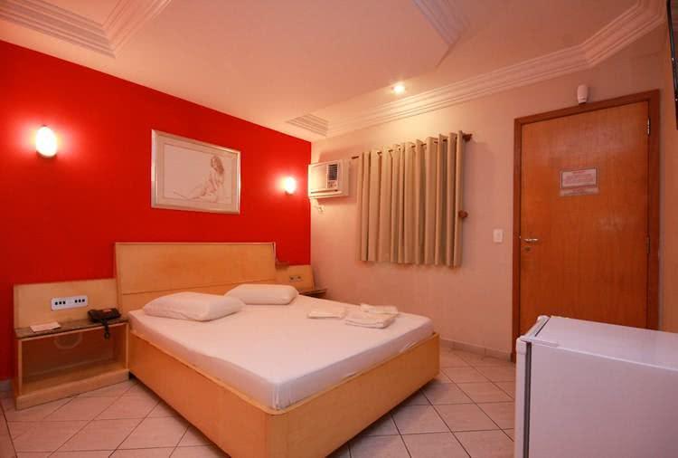 Talisman Motel suite safira